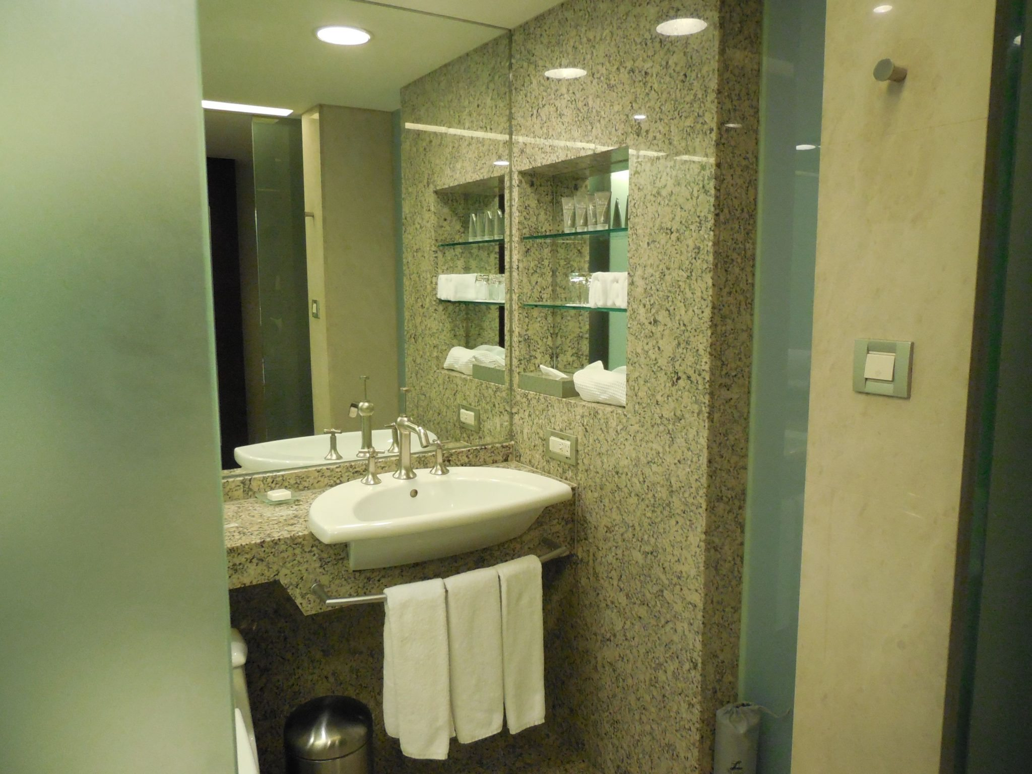 Review of the Luxurious Five-Star Landis Hotel, Taipei - Travels ...