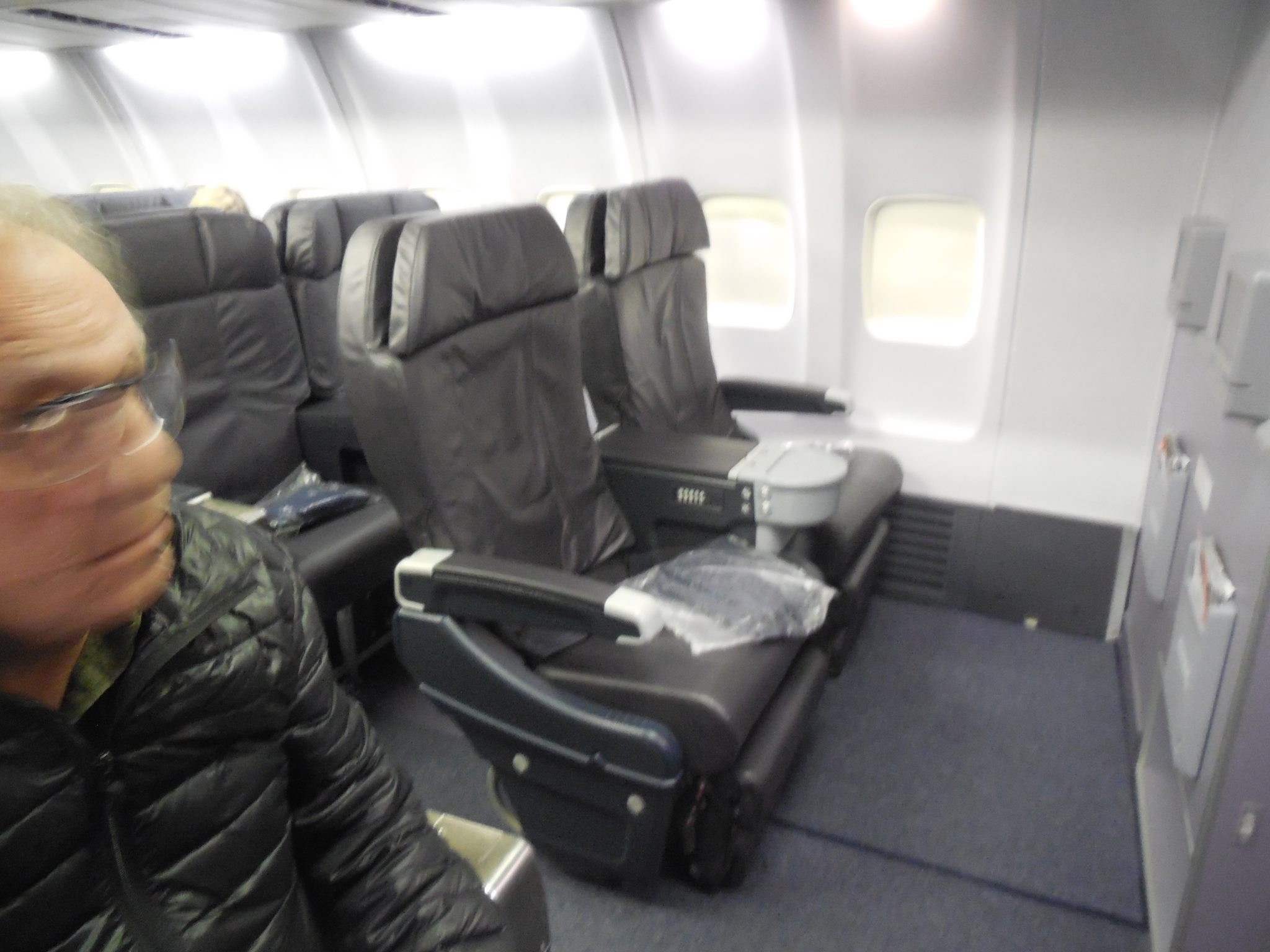 United Airlines First Class 737 900 Narita Tokyo Seoul Travels With Sheila